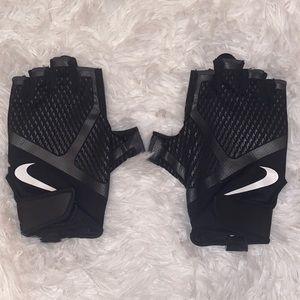 Nike Women's Medium Workout Gloves